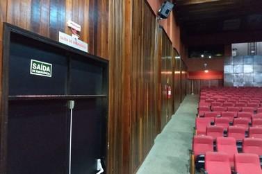 Teatro Municipal de Paranavaí está fechado por tempo indeterminado
