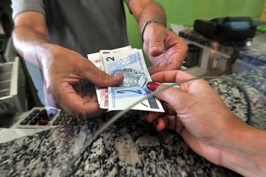 Trabalhadores já podem sacar abono do PIS/Pasep de 2017