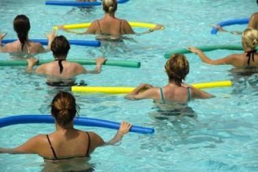 Abertas inscrições para aulas gratuitas de natação e hidroginástica em Paranavaí