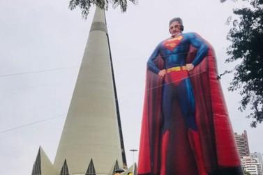 Boneco gigante do juiz Sérgio Moro está em Maringá