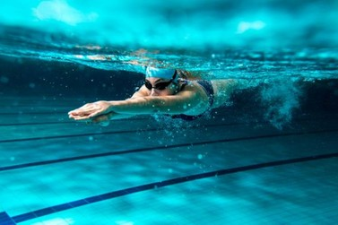 Aulas de natação e hidroginástica na piscina pública começam nesta segunda (10)