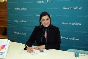 Master Coach Andréia Domingues lança livros neste sábado, em Paranavaí