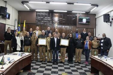 Proerd e Patrulha Escolar recebem homenagem da Câmara Municipal de Paranavaí