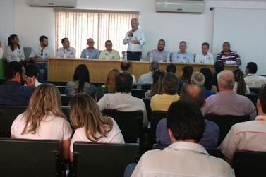 Sociedade Civil Organizada de Paranavaí entrega propostas a candidatos da região