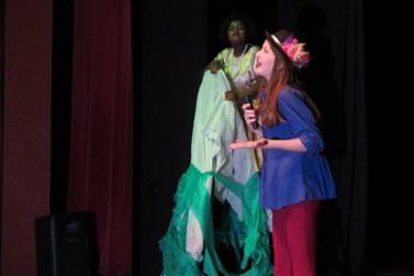 Oito grupos se apresentam no 10º Festival de Esquetes Teatrais nesta sexta (25)