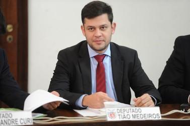Tião Medeiros é reeleito deputado estadual; demais candidatos locais estão fora