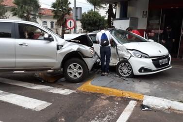 Vítima de acidente no último domingo segue internada na UTI em Paranavaí