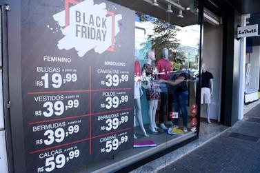 Comércio de Paranavaí atende em horário diferenciado para vendas da Black Friday