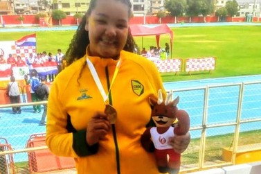 Atleta de Paranavaí é campeã Sul-Americana Escolar de atletismo