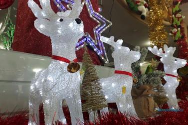 Inscrições para concurso de enfeites natalinos de vitrines terminam nesta sexta