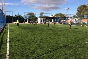 Referência em escola de futebol e campo society, Show de Bola completa 5 anos