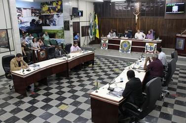 Vereadores de Paranavaí vão votar concessão de vale-refeição para educadores