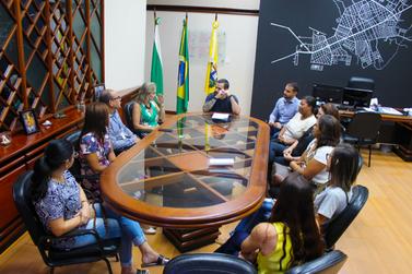 Sete novas professoras da rede municipal tomam posse em Paranavaí
