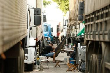 Caminhoneiros descartam paralisação após reunião com o governo
