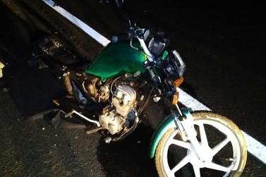Homem morre em colisão entre carro e moto na BR-376, em Paranavaí