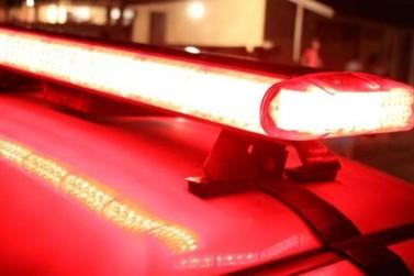 Veículo é incendiado na garagem de residência, no Jardim Morumbi