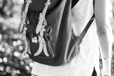 Menor é apreendida com meio quilo de maconha em bolsa, no terminal rodoviário