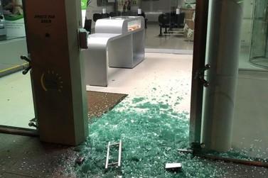 Bandidos invadem agência bancária em Guairaçá
