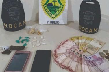 Polícia Militar desmantela ponto de venda de drogas no Jardim Simone