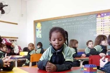 Prefeitura de Maringá abre 230 vagas para assistentes de alfabetização