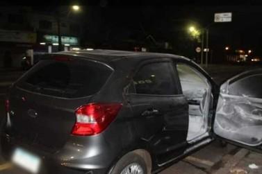 Jovens sofrem queimaduras após desodorante explodir dentro de carro em Maringá