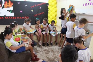 Exposições da Semana da Alfabetização vão até sexta-feira (20)