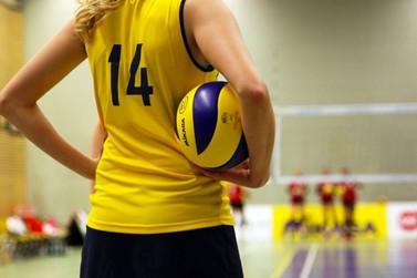 Centro da Juventude está com vagas abertas para oficina gratuita de voleibol
