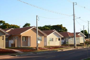 Mais de 100 famílias de Nova Esperança recebem a casa própria