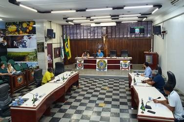 Projetos são votados em reunião extraordinária em Paranavaí