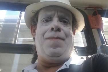 Saiba quem é o palhaço que esteve na Unespar nesta quinta-feira (17)