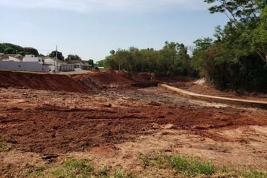 Município trabalha na construção de lago no Parque Ouro Branco