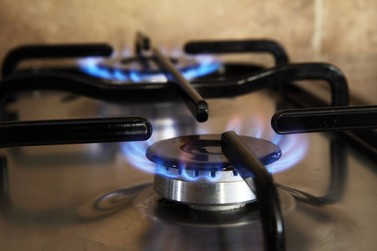 Preço do gás de cozinha sobe 5% nas distribuidoras