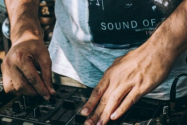 Abertas as inscrições para DJs participarem do 1º Flashback na Praça