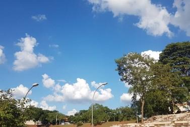 Céu claro e máximas acima dos 30°C devem marcar final de semana em Paranavaí