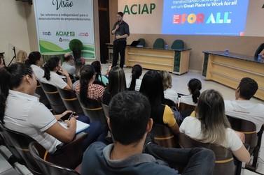 Encontro de Recursos Humanos reúne 50 profissionais de 20 empresas na Aciap