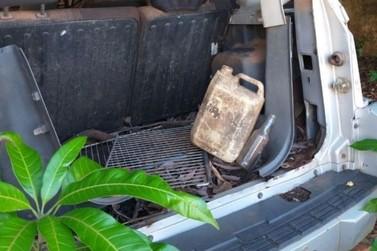 Mais de 20 caminhões de materiais que acumulam água são retirados da Coloninha