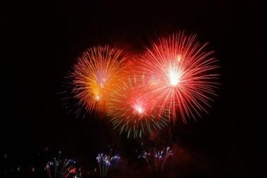 Fogos de artifício com estampido são proibidos em Paranavaí