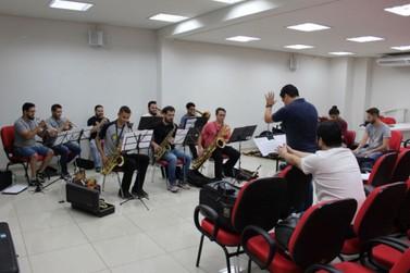 Neste sábado (29) tem concerto da Orquestra Municipal na Praça da Xícara