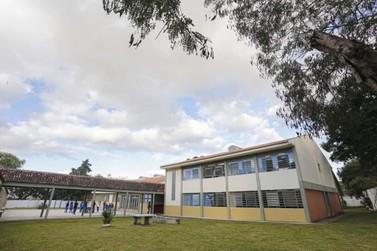Paranavaí recebe quase R$ 158 mil para melhorias em escolas estaduais