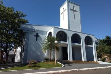 Paróquias de Paranavaí terão missas online e Benção de Ramos por drive thru