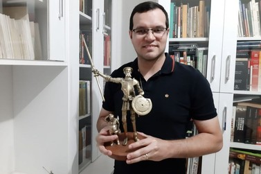 Em dois anos, escritor paranavaiense lança o quarto livro