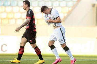 Com gol do paranavaiense Danilo Avelar, Corinthians garante classificação