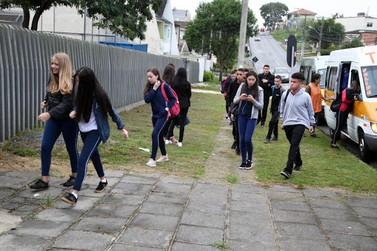 Volta às aulas no Paraná ainda não tem data definida
