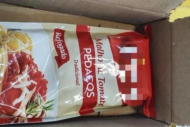 Preso suspeito de enviar molho de tomate no lugar de mercadoria em vendas online