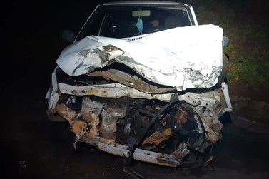 Ultrapassagem proibida causa acidente entre três veículos na BR-376, em Guairaçá