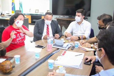 Governo do Paraná recebe APP-Sindicato para debater contratações temporárias
