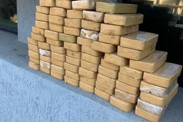 Paranavaí: Polícia Federal apreende  mais de 200 Kg de crack em caminhão