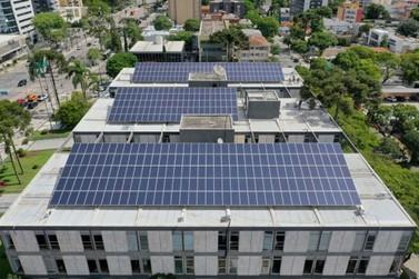 Placas solares serão instaladas em 30 escolas e creches de Paranavaí