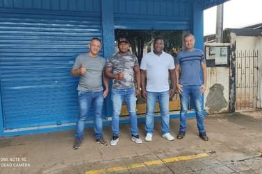 Alto Paraná ganha escolinha de futebol para crianças e adolescentes