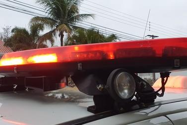 Ladrões armados roubam carro e dinheiro na área rural de Paranavaí